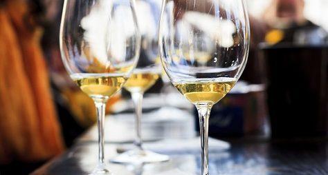 Две винодельни ипикник