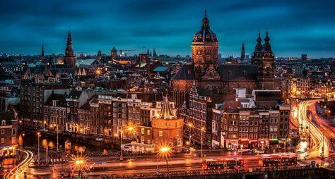 Сказочными городами: Амстердам, Брюссель, Париж