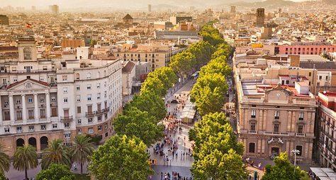 Фотосессия ипрогулка постаринной Барселоне