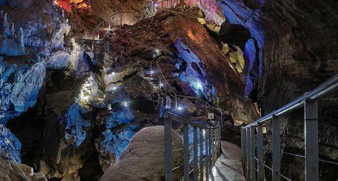 Пещера Прометея иканьоны Грузии