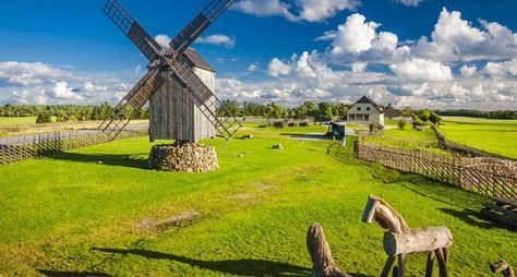 Балтийскими городами: Рига, Вильнюс, Стокгольм, Таллин