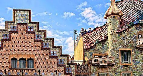 Онлайн-прогулка поБарселоне: дома Гауди идругие шедевры модерна