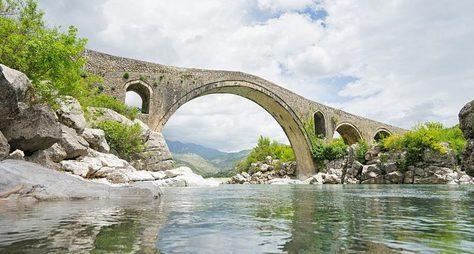 Скадарское озеро— портал изЧерногории вАлбанию