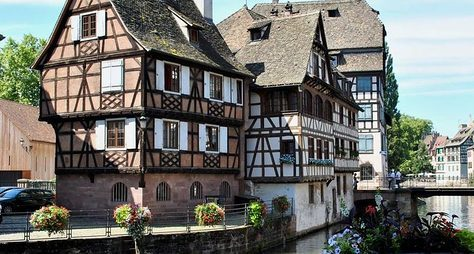 Французский Страсбург снемецкой душой