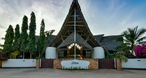 Kena Beach Hotel & Villas