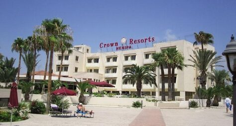 Crown Resort Henipa