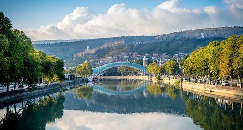ПоТбилиси— слегкостью изадором!