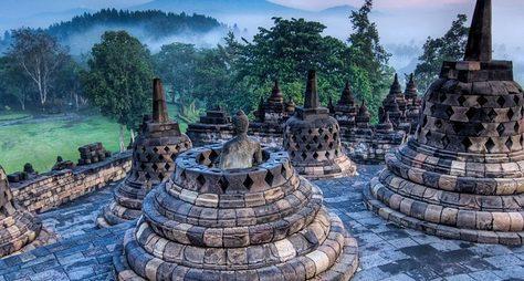 ИзБали кдревним храмам острова Ява