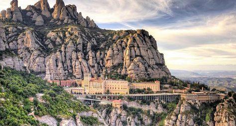 Онлайн-экскурсия «Монтсеррат— душа Каталонии»