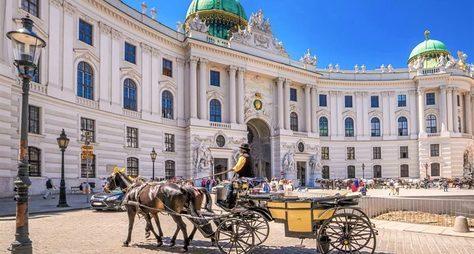 Прага— Вена: экскурсия вимперскую столицу